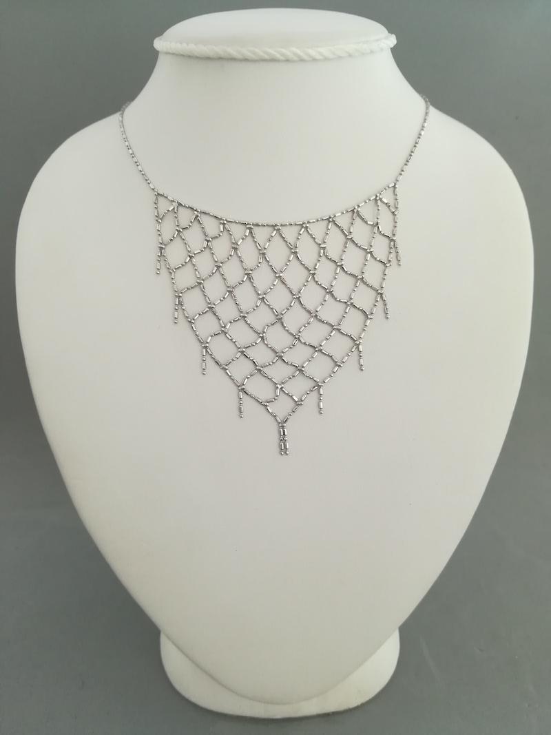 girocollo oro bianco centrale maglia a rete