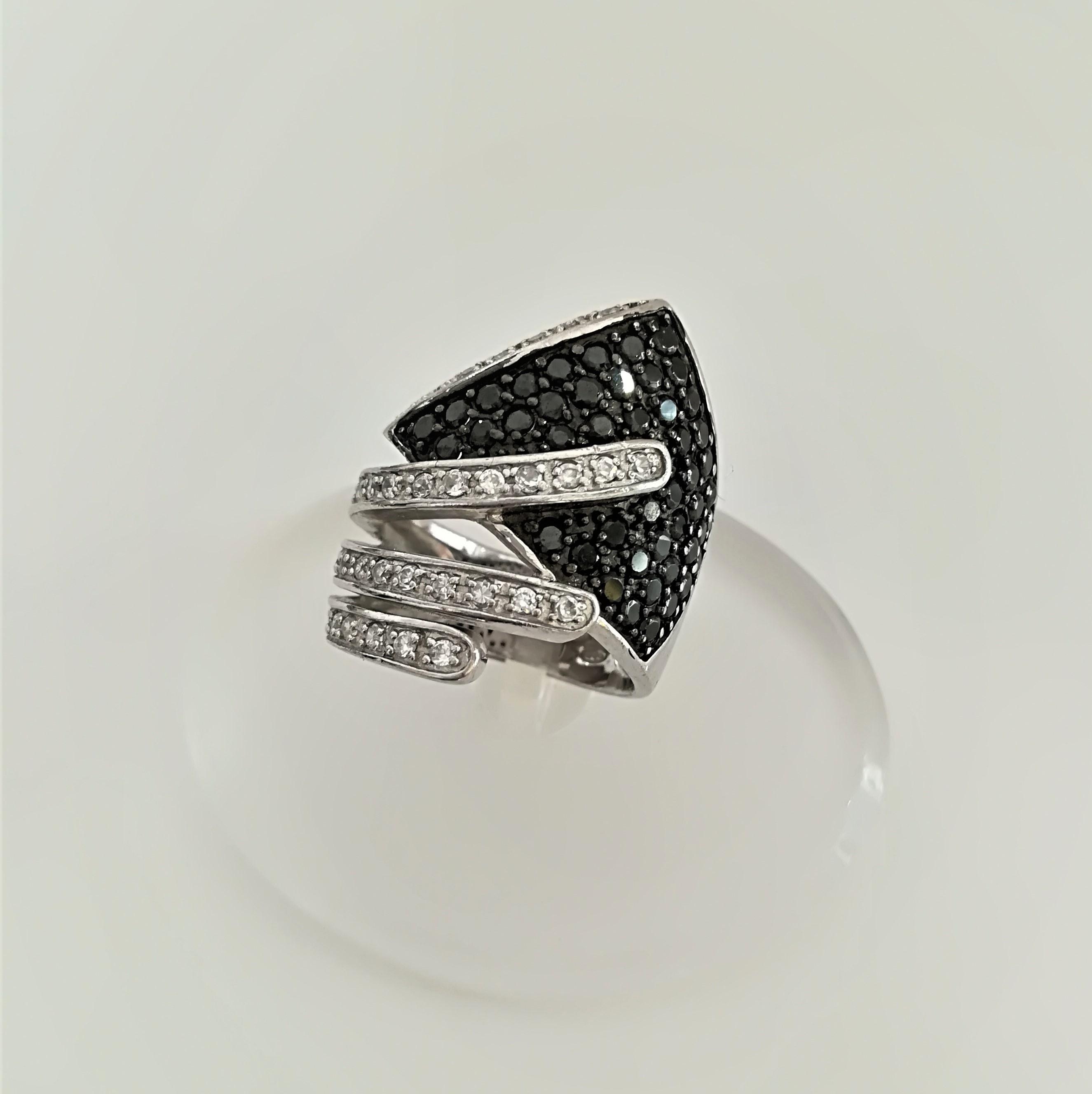 Anello in argento 925 pavé di zirconi neri e bianchi